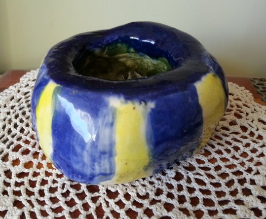 Click to read: Striped Pinch-Pot | YourClayProject.com